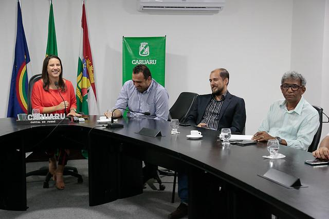 Assinatura do IPTU Verde e Aprovação responsável de Projetos
