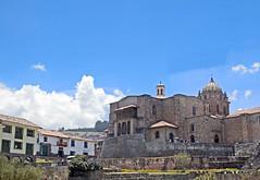 18 3030 - Pérou, Cusco, Koricancha et Couvent Saint Dominique (Jean-Pierre Ossorio) Tags: pérou cuzco koricancha couventsaintdominique couvent cloitre arcade arche arcades
