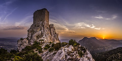 Quéribus (tof-lo62) Tags: queribus chateau cathare cathar castle pyrénées france ruines panorama pano panoramique panoramic sunrise sunset coucher du soleil greatphotographers