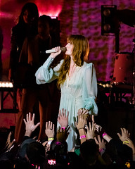 Florence and the Machine 12/09/2018 #19 (jus10h) Tags: florence welch themachine florenceandthemachine theforum forum inglewood losangeles california live music concert festival fest kroq almost acoustic christmas sunday december 9 2018 justinhiguchi sony dscrx10 dscrx10m3