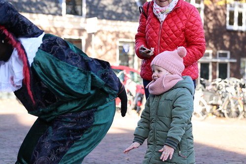 "2018-11-18 Sinterklaas-fotografie VraagAnthea (8) <a style=""margin-left:10px; font-size:0.8em;"" href=""http://www.flickr.com/photos/44627450@N04/44157307390/"" target=""_blank"">@flickr</a>"