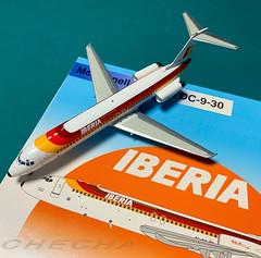 DC-9-30 Iberia 1:200 😍 (joseramongonzalez544(Checha)) Tags: maqueta inflight 1200 scale miniature colección iberia miniart metal model dc930