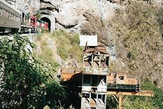 MEX55 CH-P H16-44 524 (stevenjeremy25) Tags: ferromex fxe fnm mexico train railway railroad pacifico chp chihuahua gp382m temoris 8242 8244 h1644 524 rs11 501 tunnel monument