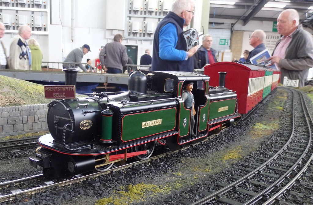 The World's Best Photos of g and scale - Flickr Hive Mind