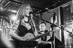 Screamin Rebel Angels - Cafe Nine (Tom Kaszuba) Tags: availablelight rockphotography sonya7lll pinuphair pinupgirl rockabella hair gretsch livemusic singer tattoo rock rockabilly cafe9 cafenine screaminrebelangels