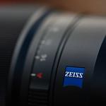 Sony Zeiss 35mm Full-Frame Prime Lens thumbnail