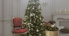 Grandeur Decor - Blog - Last for the year - Merry Christmas (Jack Hanby -) Tags: simple traditional modern white xmas red bauble golden accents deer candles cloches sconce tree apple fall fancy decor loft nutmeg onsu