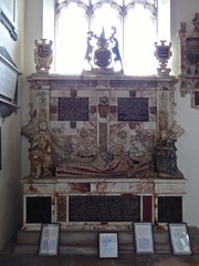 Stoke by Nayland - St Mary's (Glass Angel) Tags: monument suffolk uk england stokebynayland stmaryschurch