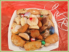 Italian Cookies Anyone? (bigbrowneyez) Tags: italiancookies delicious dolci variety fresh tasty sweets bello buoni plateful celebrating mouthwatering delightful surprise fancy party soft sweet holidaycookies maricella kind love joy lovely delicate sugary zucchero
