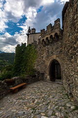 Castello di Sarriod de la tour (ste.cavi92) Tags: castello aosta architettura storia nikon valle montagna