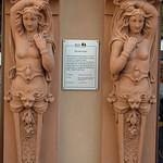 Statue of two naked women, Gotha thumbnail