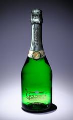 Goldeck (r.eichwald) Tags: flasche grün goldeck sekt neujahr trocken veltliner