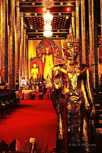 วัดเจดีย์หลวง, Wat Chedi Luang,