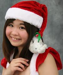 """Cutie! Christmas carrot cake coming?"" (emotiroi auranaut) Tags: cute girl adorable beauty pretty beautiful teenage teen charming chrismas xmas seasonal sweet funny humour teenager"