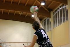 ASD Ambrosiana Volley VS Monte Volley Villoresi (CarloAlessioCozzolino) Tags: cornatedadda portodadda asdambrosianavolley volley pallavolo ragazze girls sport montevolleyvilloresi 4 quattro four numero number