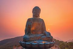 Pearl on Palm (3dgor 加農炮) Tags: hongkong hk buddha bigbuddha ngongping thebigbuddha drone mavic2pro sunset dawn