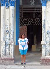 Havana , Cuba. (daaynos) Tags: woman streetshot streetportrait streetlife streetphoto blue white bikini funny