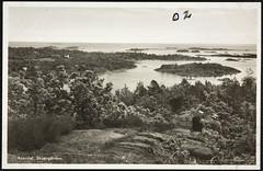 Postkort fra Agder (Avtrykket) Tags: bolighus hatt holme hus kvinne mann postkort uthus øy arendal austagder norway nor