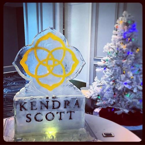 Things are very festive @kendrascott today! #fullspectrumice #icesculpture #color #logo #happyholidays #thinkoutsidetheblocks #brrriliant #kendrascott - Full Spectrum Ice Sculpture