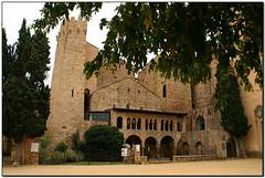 Monestir de Sant Feliu de Guíxols (el Baix Empordà) (Jesús Cano Sánchez) Tags: elsenyordelsbertins canon eos20d tamron18200 catalunya cataluña catalonia gironaprovincia emporda ampurdan baixemporda bajoampurdan santfeliudeguixols monestir monasterio monastery romanic romanico romanesque catalunyaromanica catalunyamedieval middleages