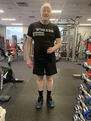 Black is meant to be slimming (stalkertoow) Tags: me black reebok gym selfie 19 19119 2019