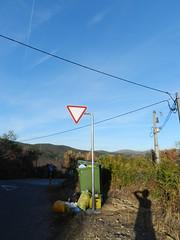 Priorities (marco_albcs) Tags: capelo coimbra portugal prt sign trash rubbish lixo sinal priority prioridade