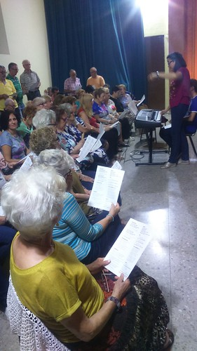 "(2018-06-14) Encuentro - Ensayos coro - José Vicente Romero Ripoll (6) • <a style=""font-size:0.8em;"" href=""http://www.flickr.com/photos/139250327@N06/45005597464/"" target=""_blank"">View on Flickr</a>"