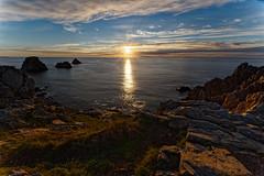 Pointe de Pen-Hir, Tas de pois (Elisabeth Lys) Tags: nature mer sunset coucher soleil coucherdesoleil nikon sigma 1020mm d7200 bretagne finistère