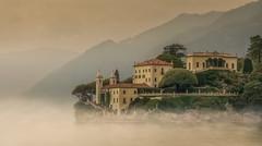 Villa del Balbianello (olemoberg) Tags: villadelbalbianello comolake lagodigarda italy italia lake mist fog villa museum mountains lombardy lombardia