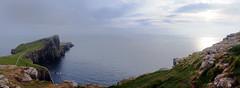 Neist Point Lighthouse / Skye Island / Highlands / Escocia (123) / Scotland (Ull màgic (+1.500.000 views)) Tags: neistpointlighthouse skyeisland highlands scotland escocia far faro natura naturaleza nature paisatge paisaje landscape aigua agua water mar atlàntic atlántico oceà núvols nubes capvespre postadesol atardecer sunset penyasegat acantilado fuji xt1