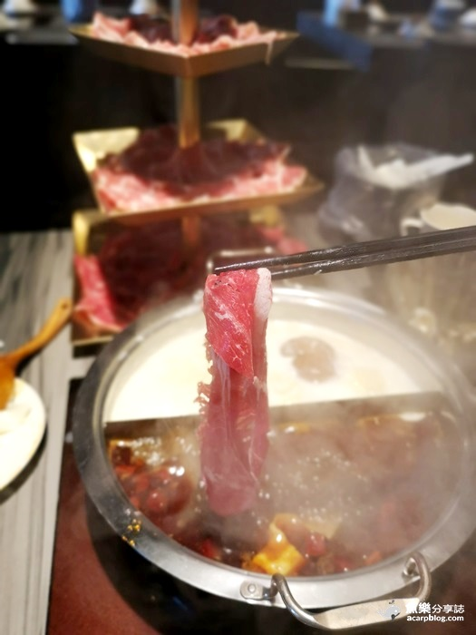 【台北內湖】圓味涮涮鍋│超療癒小熊泡湯火鍋│豪華四層肉肉塔 @魚樂分享誌