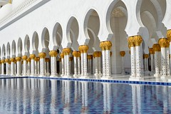 Sheikh Zayed Grand Mosque (Seventh Heaven Photography *) Tags: abu dhabi uae united arab emirates sheik zayed grand mosque nikon d3200 reflections columns arches white water blue marble