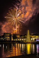 Fireworks - New Year's - Welcome 2019 - Chicureo - Best 3 (Johnny Edward Bankson) Tags: 2019 chicureo chile edward fujifilm fujinon fujinonxf23mmf14rprimelens john johnbankson johnedwardbankson johnb lagoon laguna lagunapiedraroja newyear newyearseve newyears photographer southamerica summer xt2 xf23mmf14 endofyear fireworks fotografia fotografo fotógrafo fuegosartificiales lake night noche photographersonflickr photography piedraroja reflection ©johnbankson