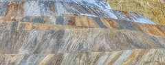 Layers (Robert Cowlishaw (Mertonian)) Tags: layers photophari mertonian robertcowlishaw canon powershot sx70hs canonpowershotsx70hs rows mountainside textures patterns abstract diversity winter2019 earthtones