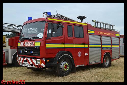 mercedes benz 1124 'vitromite fire & rescue' reg p892 kyd - a photo