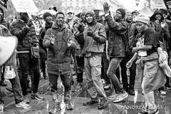 manifestation contre trump... (andrealinss) Tags: paris parisstreet schwarzweiss street streetphotography streetfotografie bw blackandwhite andrealinss 35mm demo demonstration manifestation contretrump gegentrump photojournalism protest proteste placedelarepublique widerstand
