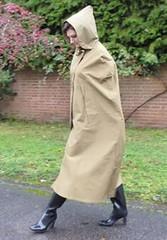 be-19a203f543d070e9aff60d979b56d06e (rainand69) Tags: cape umhang cloak pèlerine pelerin peleryna raincape regencape rubbercape capecaoutchoutée