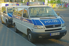 Bundespolizei (Martijn Groen) Tags: berlin germany europe may 2018 police polizei bundespolizei emergency lawenforcement volkswagen volkswagent4 transporter t4 vw