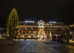 Shoppingcenter (Trond Sollihaug) Tags: stjørdal norway shoppingcenter citysquare city night darkness christmastree nightshot hdr canoneos5dmkiv cqnonef35mmf14liiusm