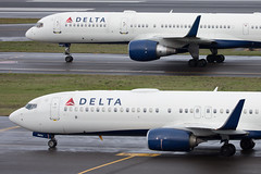 2018_12_23 PDX Stock-4 (jplphoto2) Tags: 737 737900 757 757200 deltaairlines deltaairlines737900 deltaairlines757200 jdlmultimedia jeremydwyerlindgren kpdx pdx portland portlandinternationalairport aircraft airplane airport aviation