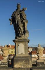 ESCULTURA DEL KARLUV MOST (Praga, desembre de 2018) (perfectdayjosep) Tags: karluvmostpraha pontdecarlespraga praga prague praha czechrepublik repúblicatxeca pont puente ponte most bridge sculpture escultura esculturaalpontcarlesdepraga