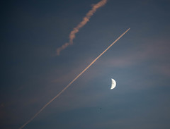 Moon and Two Planes At Sunset-1 (DeePee64) Tags: moon areoplanes aeroplanevapourtrails sunset blueorangesky nikond750 tamron70200mmg2