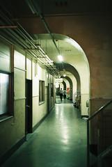 Curved Corridor (tripl8_i) Tags: tokyo tukiji 東京 築地市場 yashica electo35mc yashinondx 40mm28 curved corridor