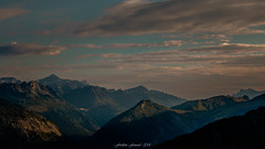 Douceur d'un Horizon Matinal (Frédéric Fossard) Tags: paysage landscape mountainscape montagne vallée mountain valley cimes crêtes horizon suisse alpes hautesavoie ciel sky nuages clouds matin morning leverdujour altitude valais calme sérénité atmosphère mood serenity