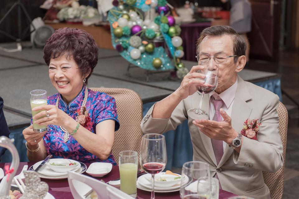 台南東東宴會式場 婚宴 走在幸福的紅毯上 R & B 121