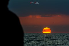 Mirando el mar. (Antonio Camelo) Tags: nikon night playa beach sunset atardecer mar sea andalucia spain