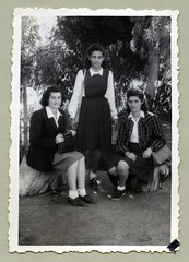 "1950s (Vintage Cars & People) Tags: vintage classic black white ""blackwhite"" sw photo foto photography fashion girl lady skirt blouse whiteblouse blazer jacket handbag socks loafers 1950s fifties palmtree eucalyptus eucalyptustree"