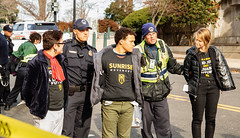 Sunrise 121018 (37) (Becker1999) Tags: protest protesting climate climatechange 2018 december washingtondc telldemocratsweneedagreennewdeal · sunrisemovement greennewdeal police arrest civildisobedience capitolbuilding uscapitol capitolpolice protestors houseoffices