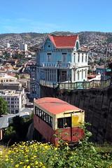Chili 2017 (nouailleric) Tags: ascensorartillería chili chile valparaiso ascensor funiculaire lamaisondesquatrevents pacific océanpacific canon eos500d efs18135mm voyage travel travelphotographie cityscape lacasaquatrosvientos