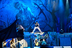 Iron Maiden (Shane Henderson Fotografia) Tags: 2010 canonef70200mmf4lusm canoneos40d festival gigs heavymetal hertfordshire ironmaiden livemusic metal people sonisphereknebworth unitedkingdom liveband livemusicphotographer livemusicphotography music knebworth england gb